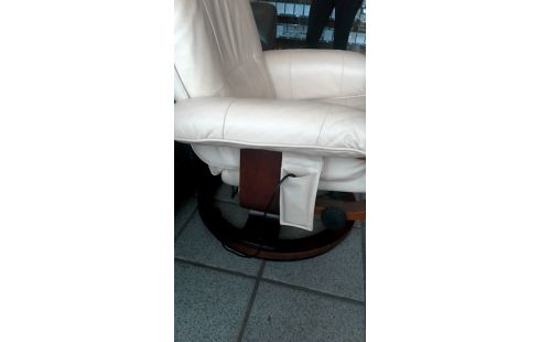 Los Angeles 1aa6e 938e0 FAUTEUIL RELAX MASSANT CUIR + REPOSE PIED